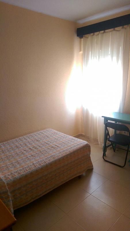 Piso en alquiler en calle Malaquita, El Torrejón - El Cerezo en Sevilla - 317606546