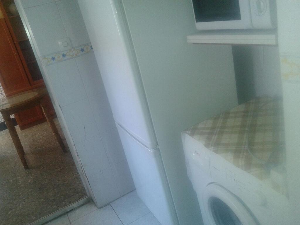 Piso en alquiler en calle De Los Gavilanes, Rochelambert en Sevilla - 323950158