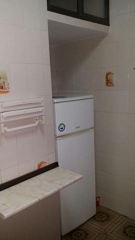 Piso en alquiler en calle Alvar Núñez, Barrio León en Sevilla - 324866444
