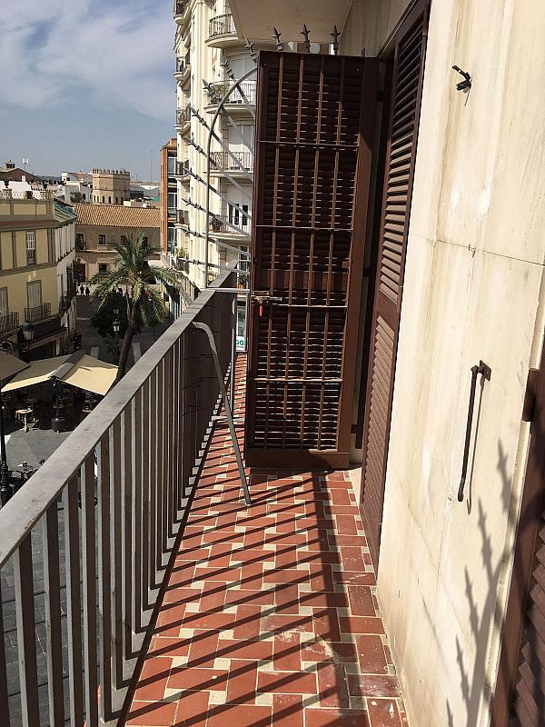 Piso en alquiler en calle Jerez, Santa Cruz en Sevilla - 329113025