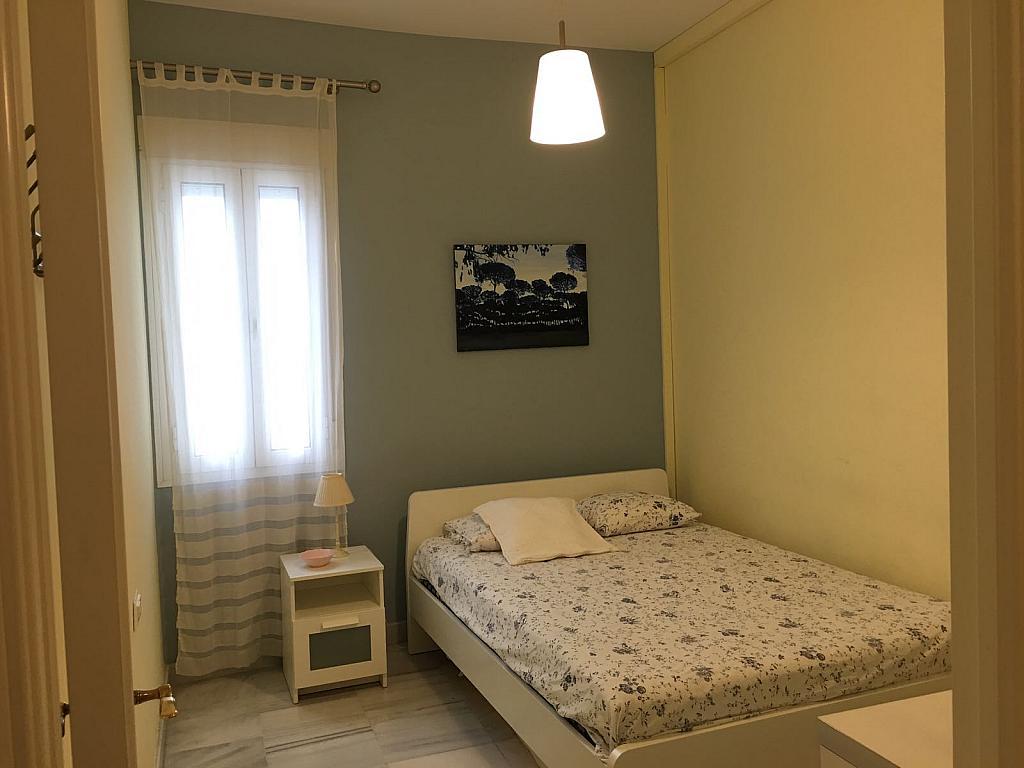 Piso en alquiler en calle Pastor y Landero, Arenal en Sevilla - 329613316
