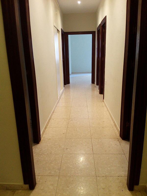 Piso en alquiler en calle Virgen de la Oliva, Los Remedios en Sevilla - 330141874