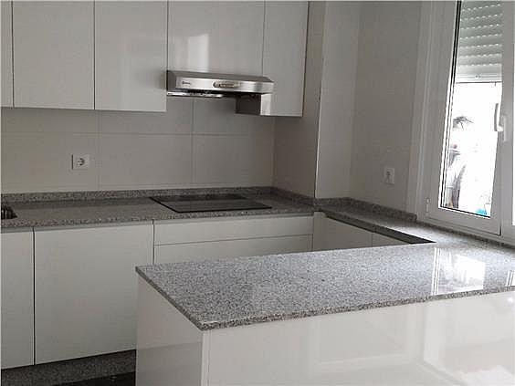 Apartamento en alquiler en calle Camelias, Freixeiro-Lavadores en Vigo - 284043455