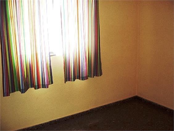 Piso en alquiler en Benicalap en Valencia - 316652394