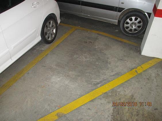 Parking en alquiler en calle Cronista Domingo Urriel, Llíria - 286236198