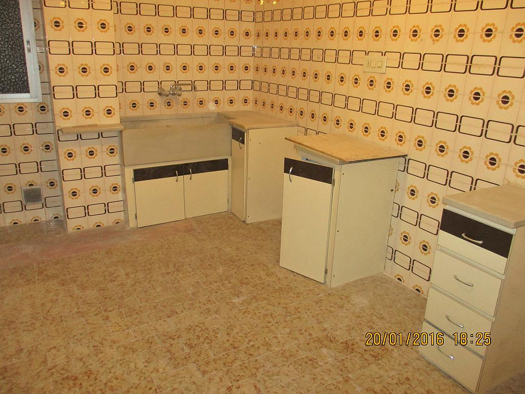 Cocina - Piso en alquiler en calle Vicente Ferrer, Centro Urbano en Llíria - 289809827