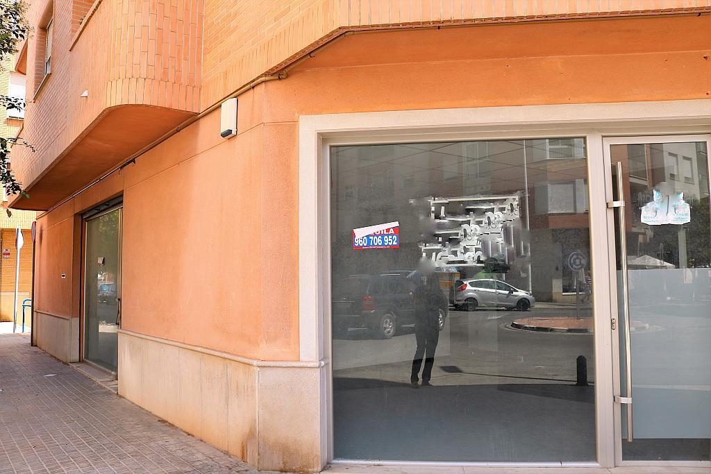 Fachada - Local comercial en alquiler en calle Gerardo Ferrand, Centro Urbano en Llíria - 306526104