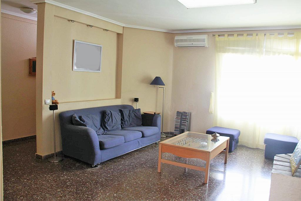 Salón - Casa adosada en alquiler opción compra en calle Savador Matias Escrich, Casinos - 316752713