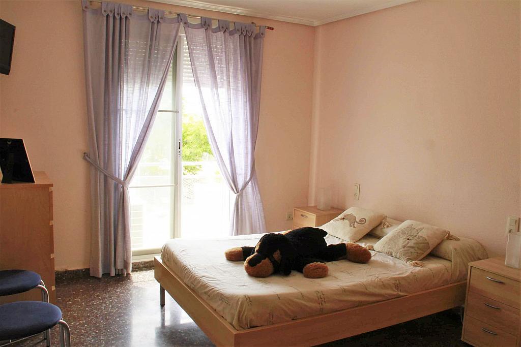 Dormitorio - Casa adosada en alquiler opción compra en calle Savador Matias Escrich, Casinos - 316752728