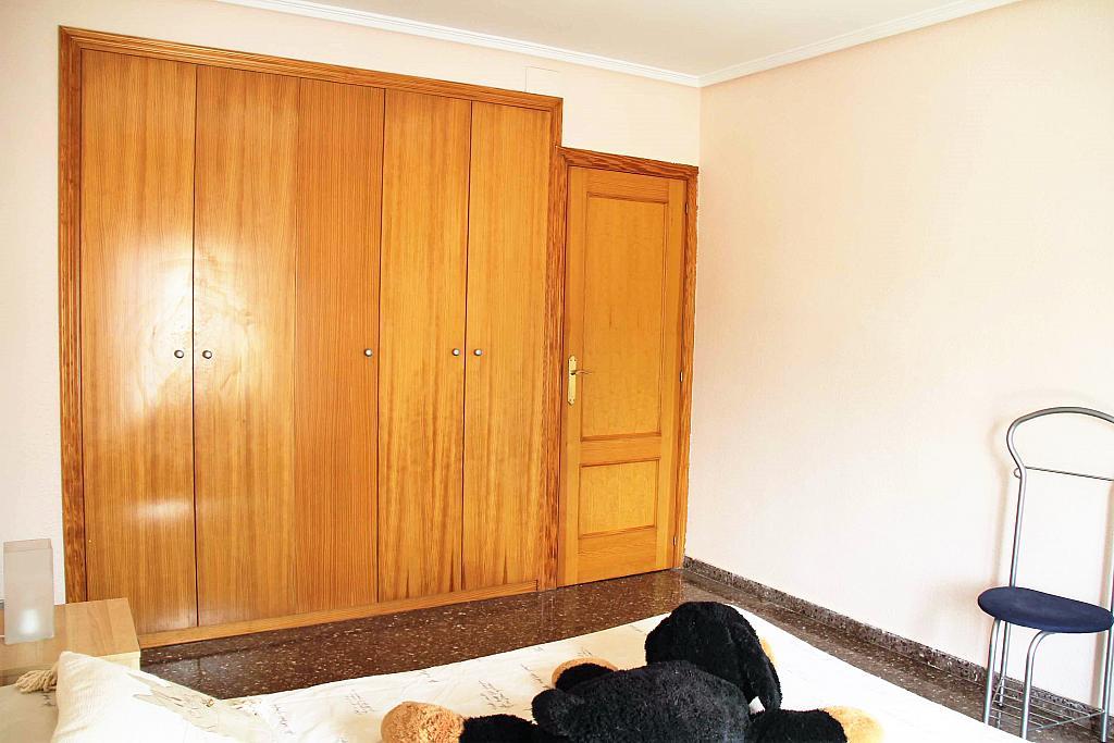 Dormitorio - Casa adosada en alquiler opción compra en calle Savador Matias Escrich, Casinos - 316752732