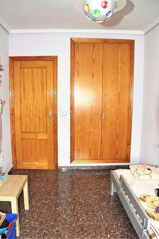 Dormitorio - Casa adosada en alquiler opción compra en calle Savador Matias Escrich, Casinos - 316752735