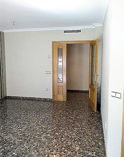 Salón - Piso en alquiler en calle Gerardo Ferrand, Centro Urbano en Llíria - 320746107
