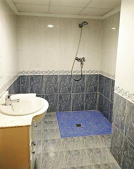 Baño - Piso en alquiler en calle Gerardo Ferrand, Centro Urbano en Llíria - 320746120