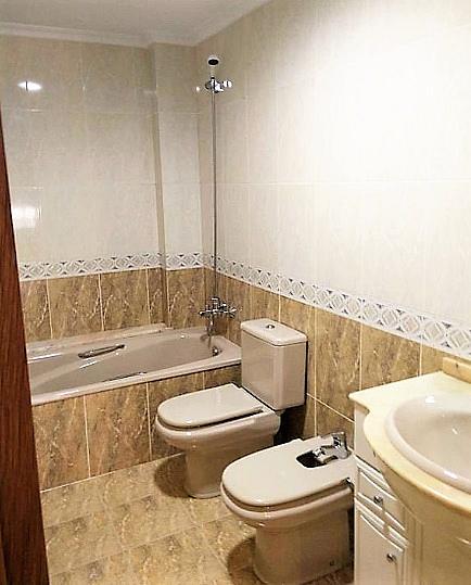 Baño - Piso en alquiler en calle Gerardo Ferrand, Centro Urbano en Llíria - 320746134
