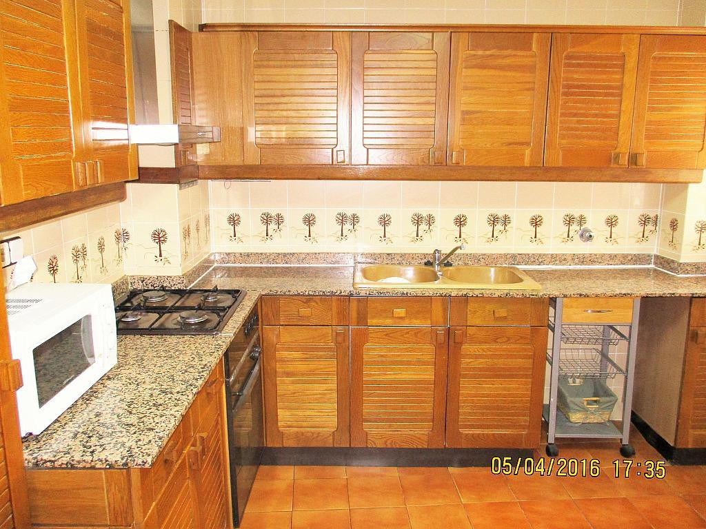 Cocina - Piso en alquiler en plaza Nueve Octubre, Centro Urbano en Llíria - 321260629