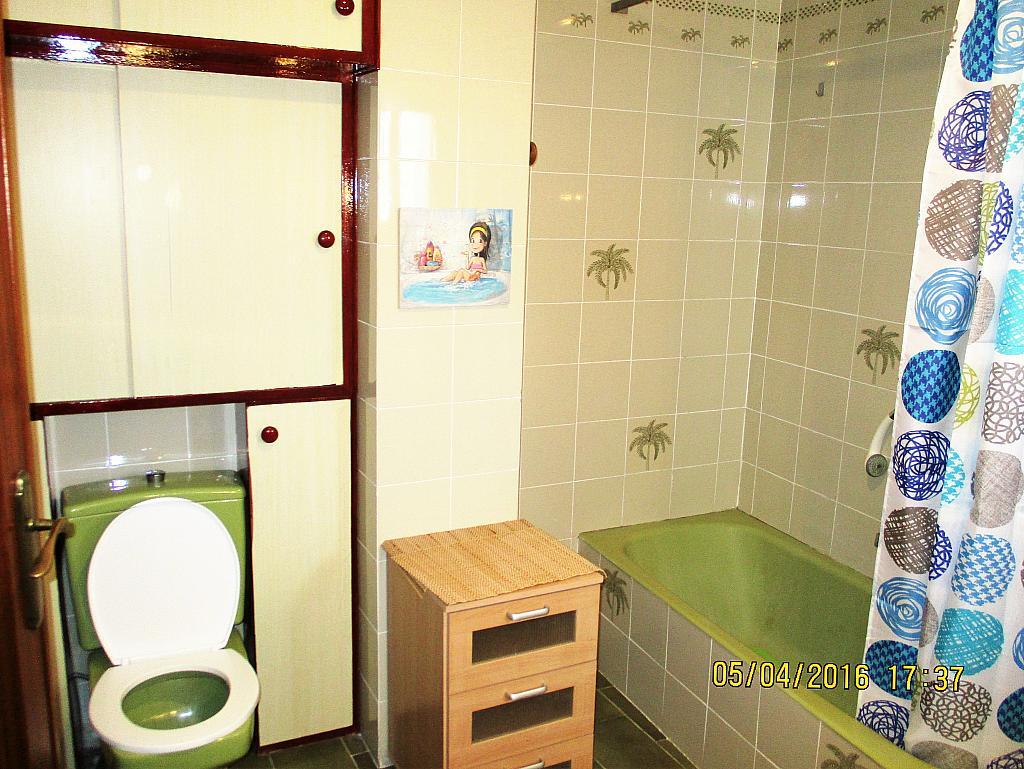 Baño - Piso en alquiler en plaza Nueve Octubre, Centro Urbano en Llíria - 321260686