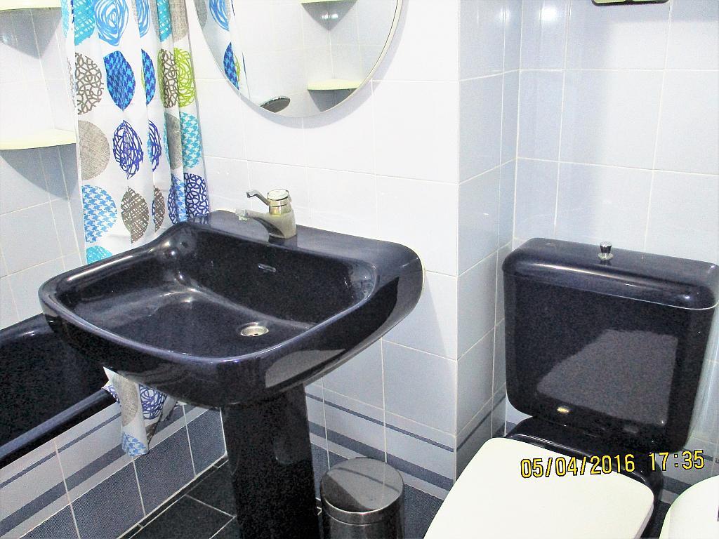 Baño - Piso en alquiler en plaza Nueve Octubre, Centro Urbano en Llíria - 321260695