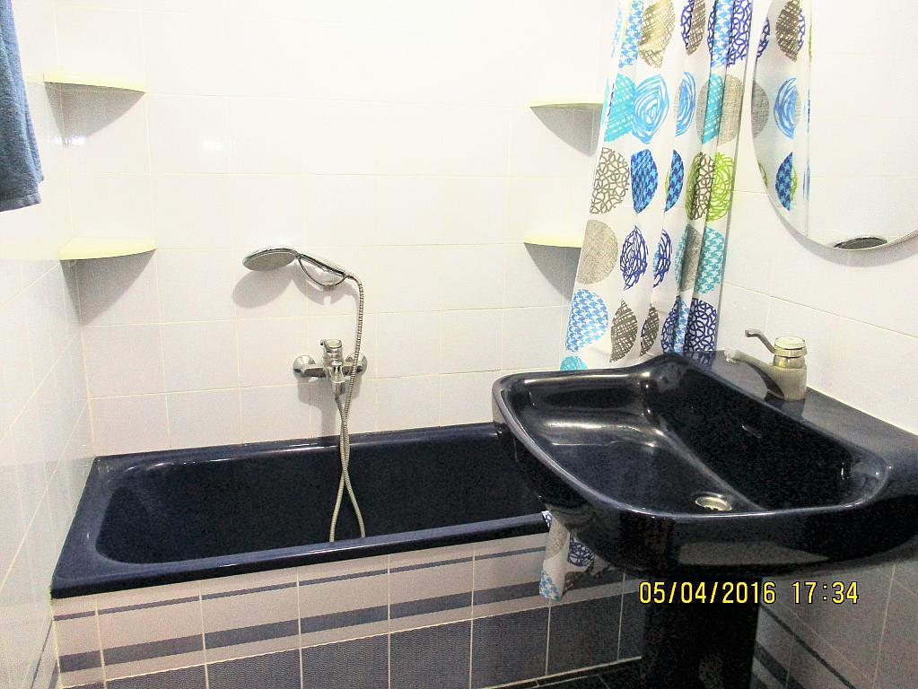 Baño - Piso en alquiler en plaza Nueve Octubre, Centro Urbano en Llíria - 321260700