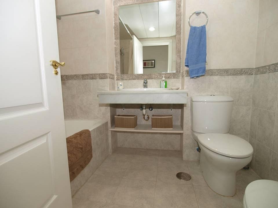 Bano - Apartamento en alquiler en Estepona - 277703974