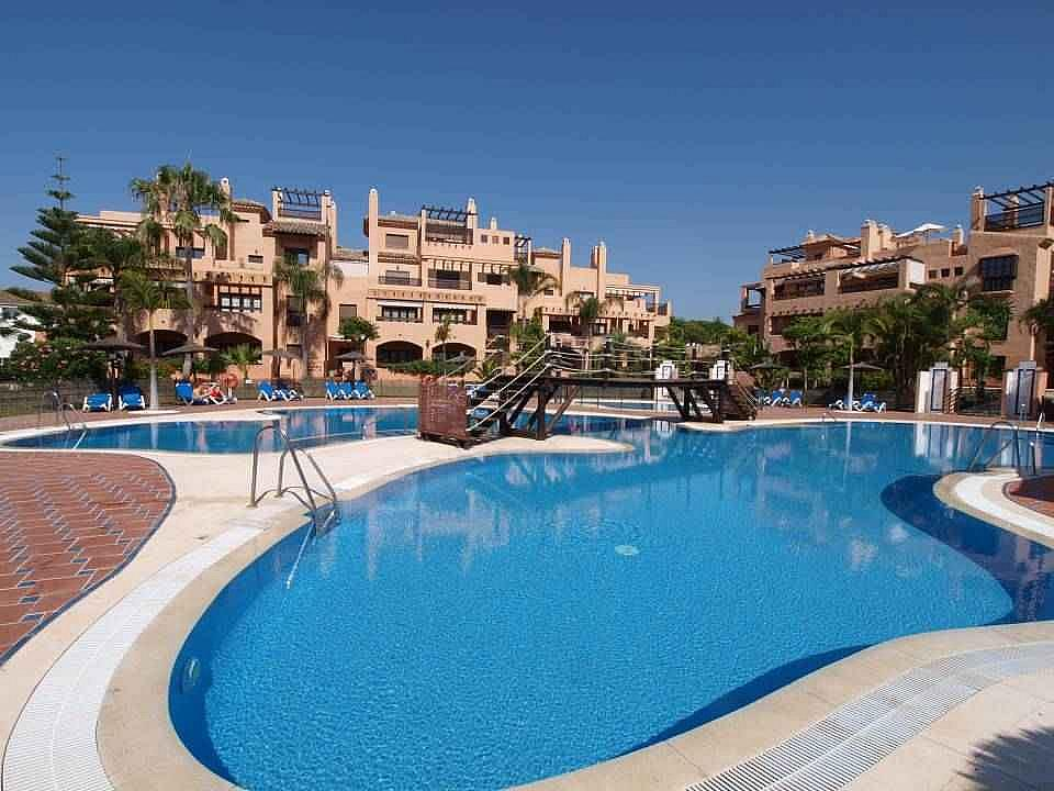 Piscina - Apartamento en alquiler en Estepona - 277704007