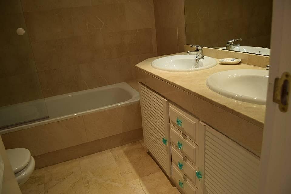 Bano - Apartamento en alquiler en Marbella - 277705243