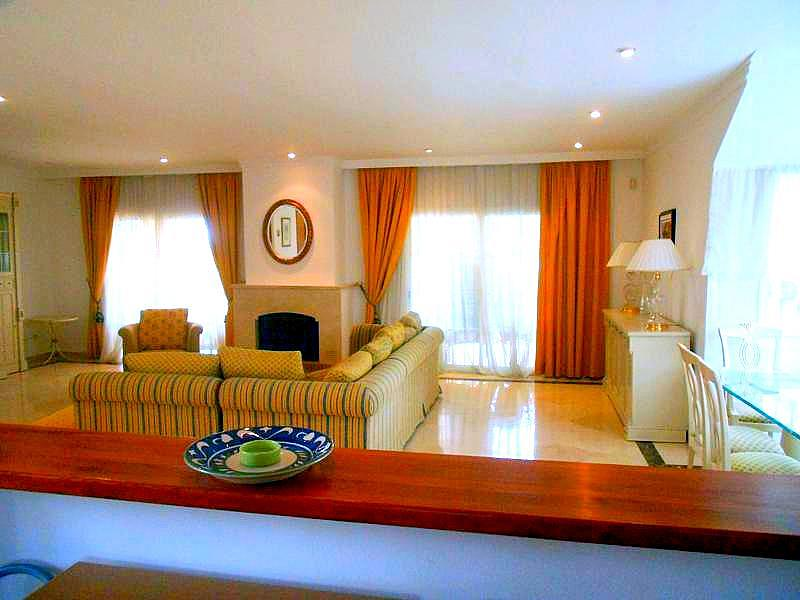 Salon - Chalet en alquiler en Benahavís - 277708936