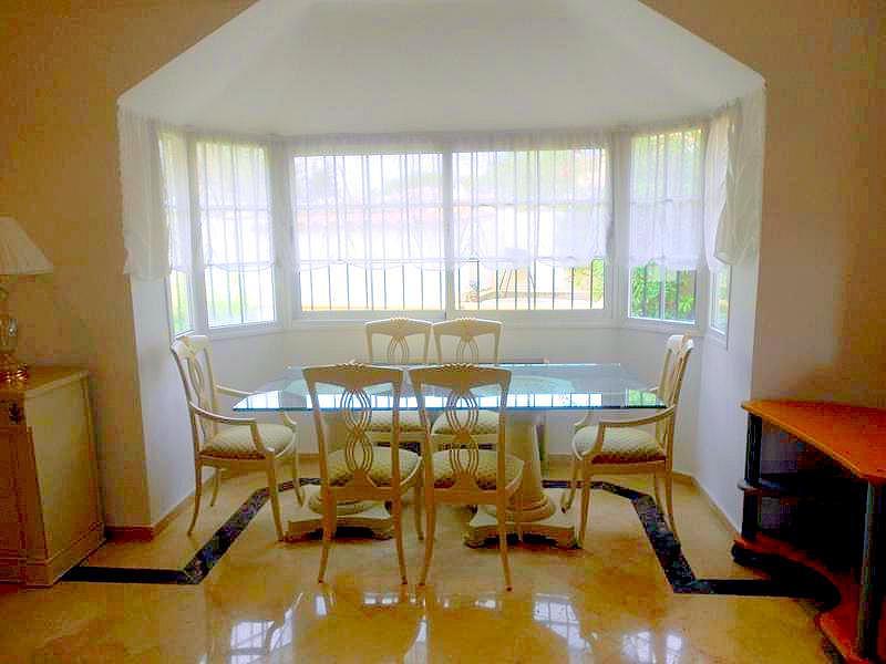 Salon - Chalet en alquiler en Benahavís - 277708945