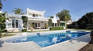 Piscina - Chalet en alquiler en Estepona - 277709467