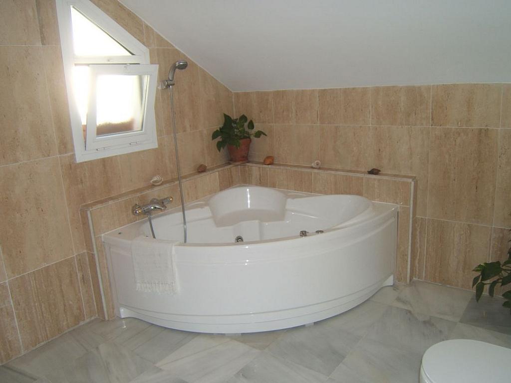 Bano - Casa adosada en alquiler en Milla de Oro en Marbella - 277710226