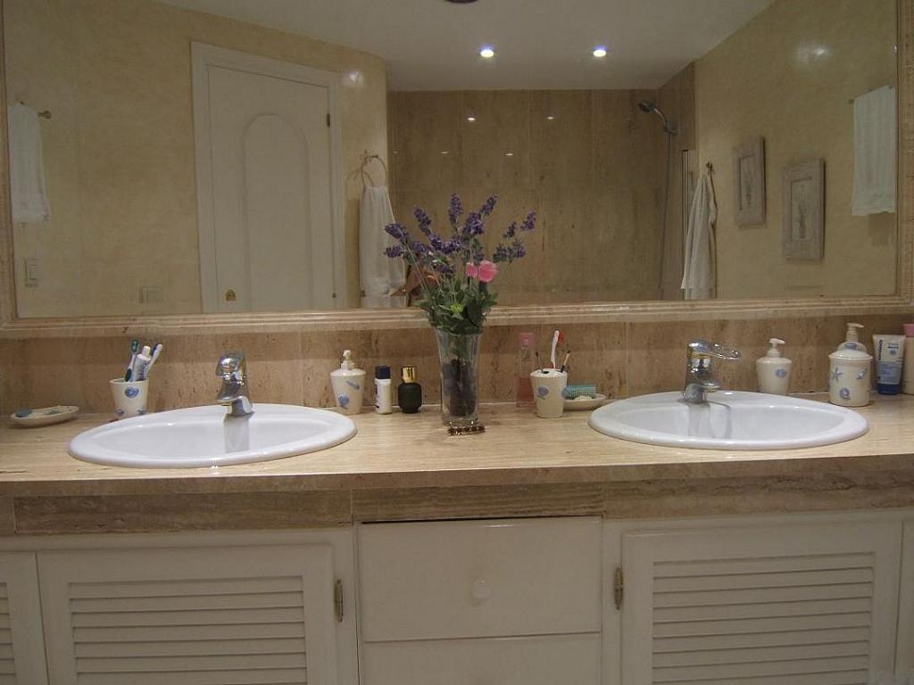 Bano - Casa adosada en alquiler en Milla de Oro en Marbella - 277710238