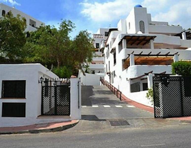 Calle - Apartamento en alquiler en Milla de Oro en Marbella - 277711132