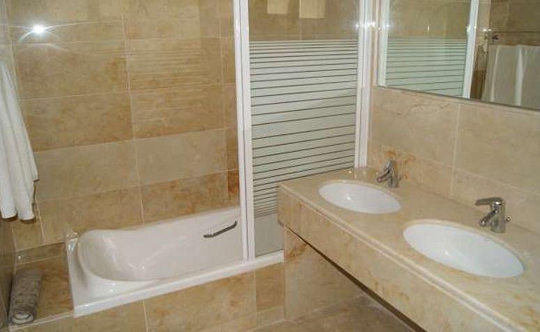 Bano - Apartamento en alquiler en Marbella - 277712743