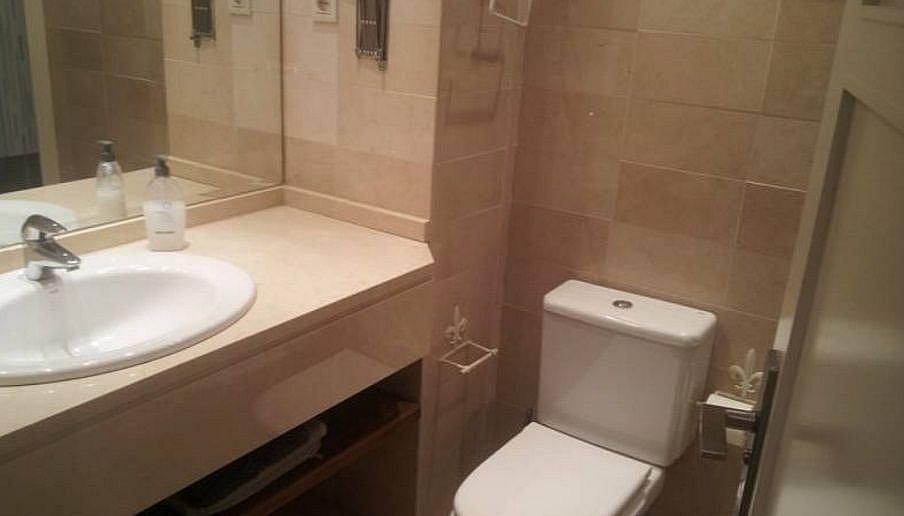 Bano - Apartamento en alquiler en Milla de Oro en Marbella - 277712899
