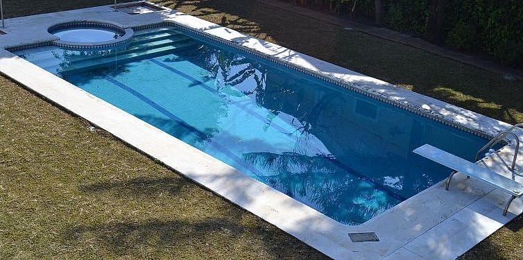 Piscina - Chalet en alquiler en San Pedro Pueblo en Marbella - 277713511