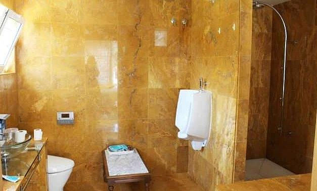 Bano - Apartamento en alquiler en Estepona - 277714357