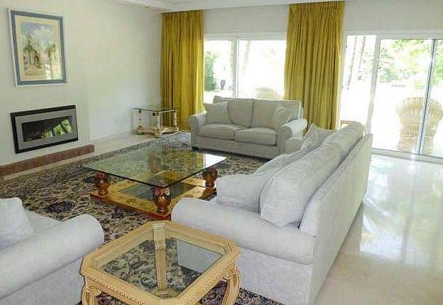 Salon - Chalet en alquiler en Nueva Andalucía en Marbella - 277714534