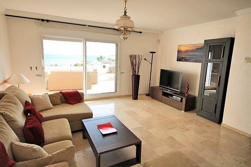 Salon - Apartamento en alquiler en Casares - 277715284