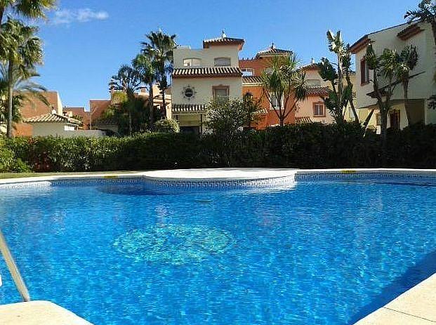 Piscina - Apartamento en alquiler en Estepona - 277715410