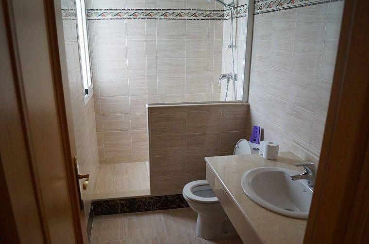 Bano - Apartamento en alquiler en Estepona - 277715866