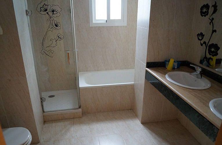 Bano - Apartamento en alquiler en Estepona - 277715872