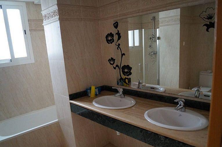 Bano - Apartamento en alquiler en Estepona - 277715890