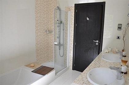 Bano - Chalet en alquiler en Marbella - 279482462