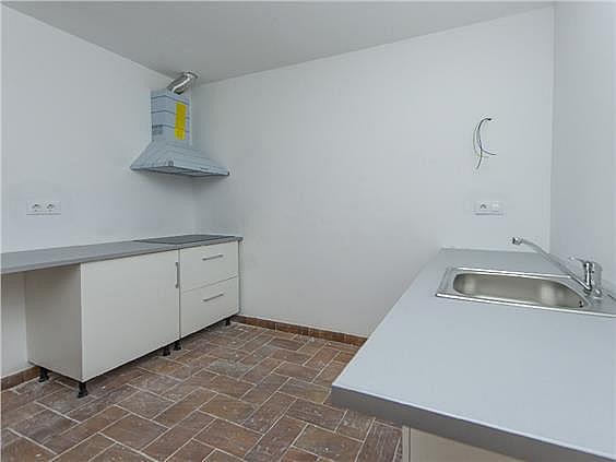 Bajo en alquiler en calle Angel Guimerà, Calella - 331778865