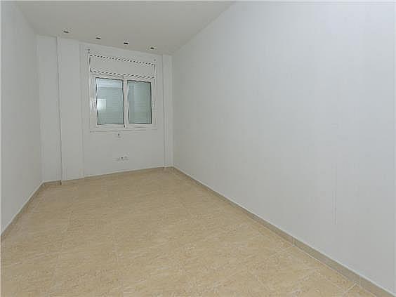 Bajo en alquiler en calle Angel Guimerà, Calella - 331778895