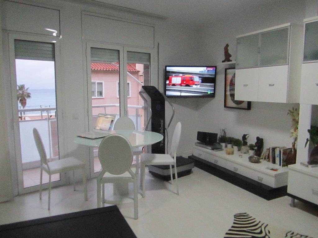 Salón - Piso en alquiler en calle Del Mar, Canet de Mar - 321678960