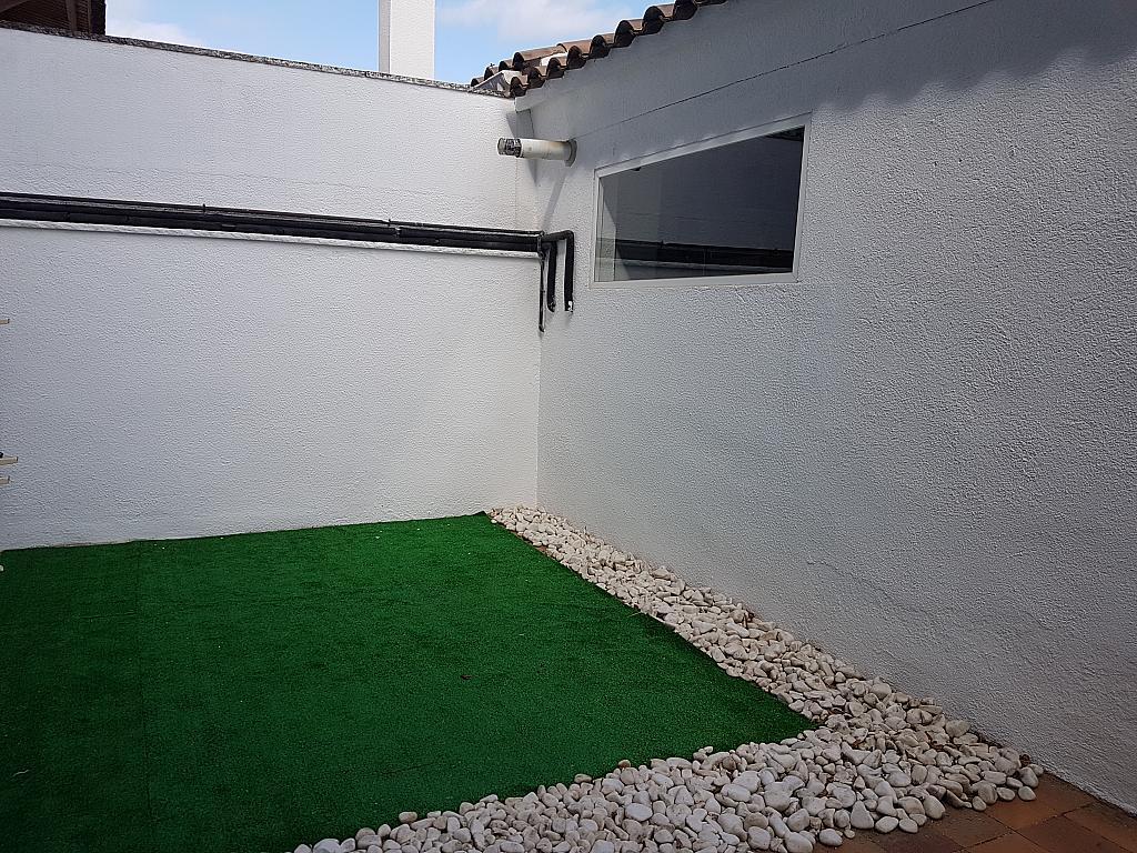Fachada - Casa adosada en alquiler en pasaje Esparragueres, Cabrils - 327647413