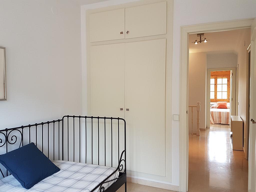 Dormitorio - Casa adosada en alquiler en pasaje Esparragueres, Cabrils - 327647486