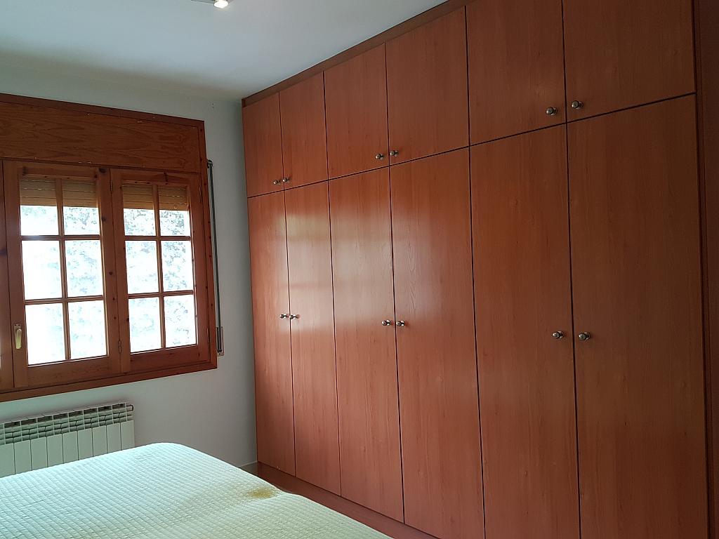 Dormitorio - Casa adosada en alquiler en pasaje Esparragueres, Cabrils - 327647499