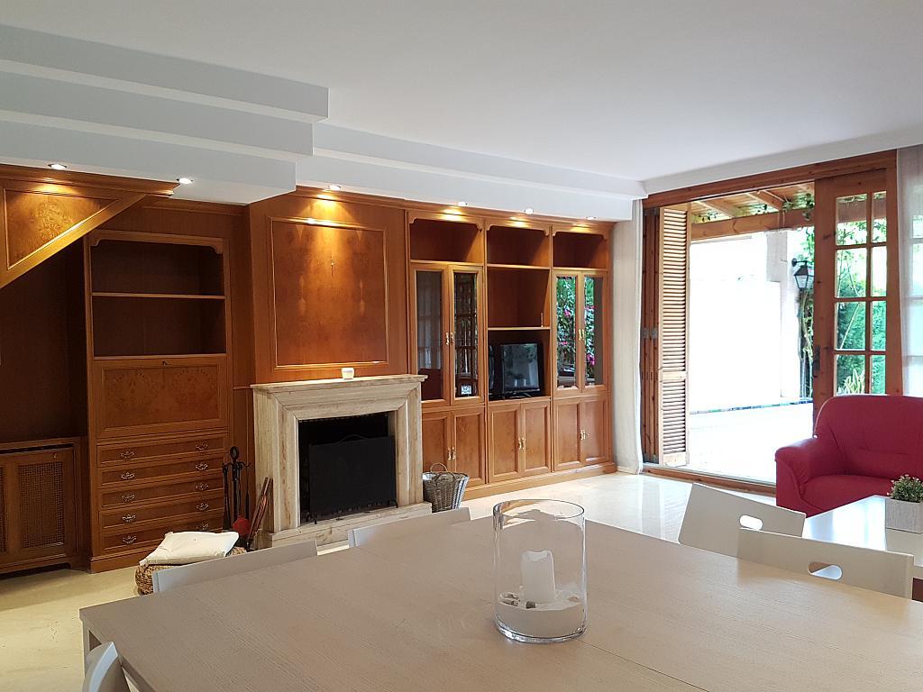 Salón - Casa adosada en alquiler en pasaje Esparragueres, Cabrils - 327647517