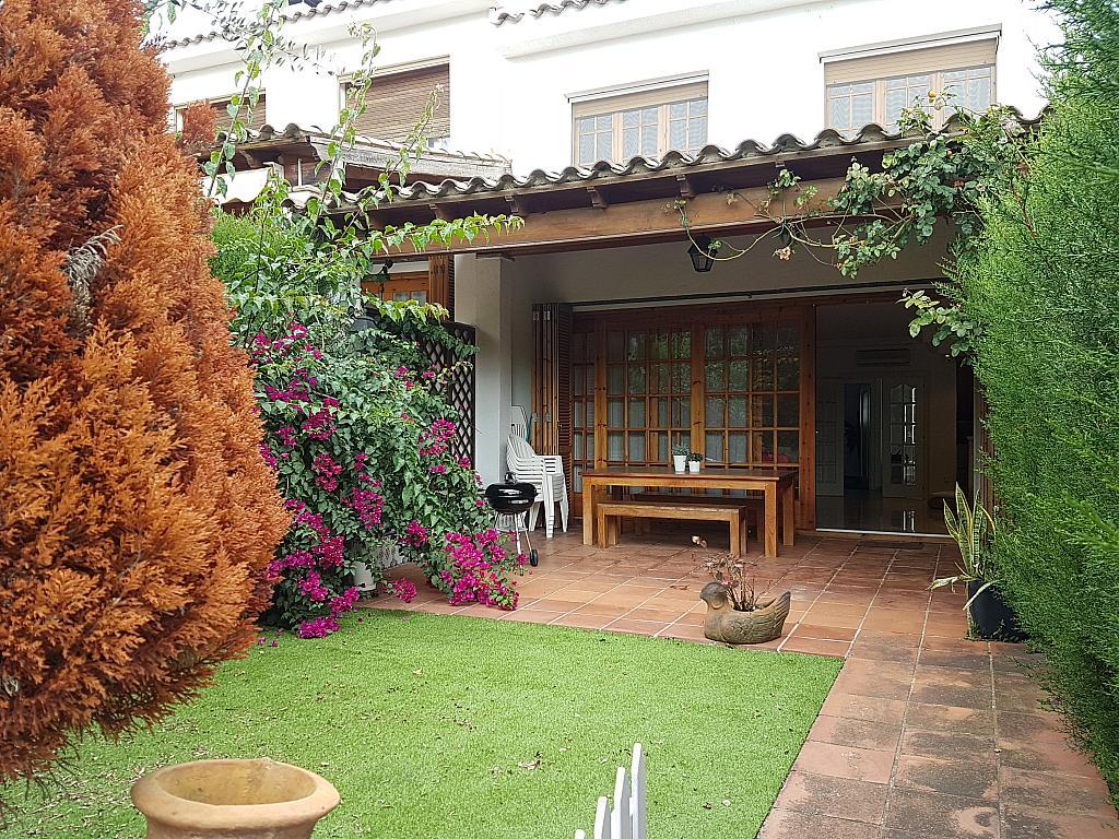 Terraza - Casa adosada en alquiler en pasaje Esparragueres, Cabrils - 327647611